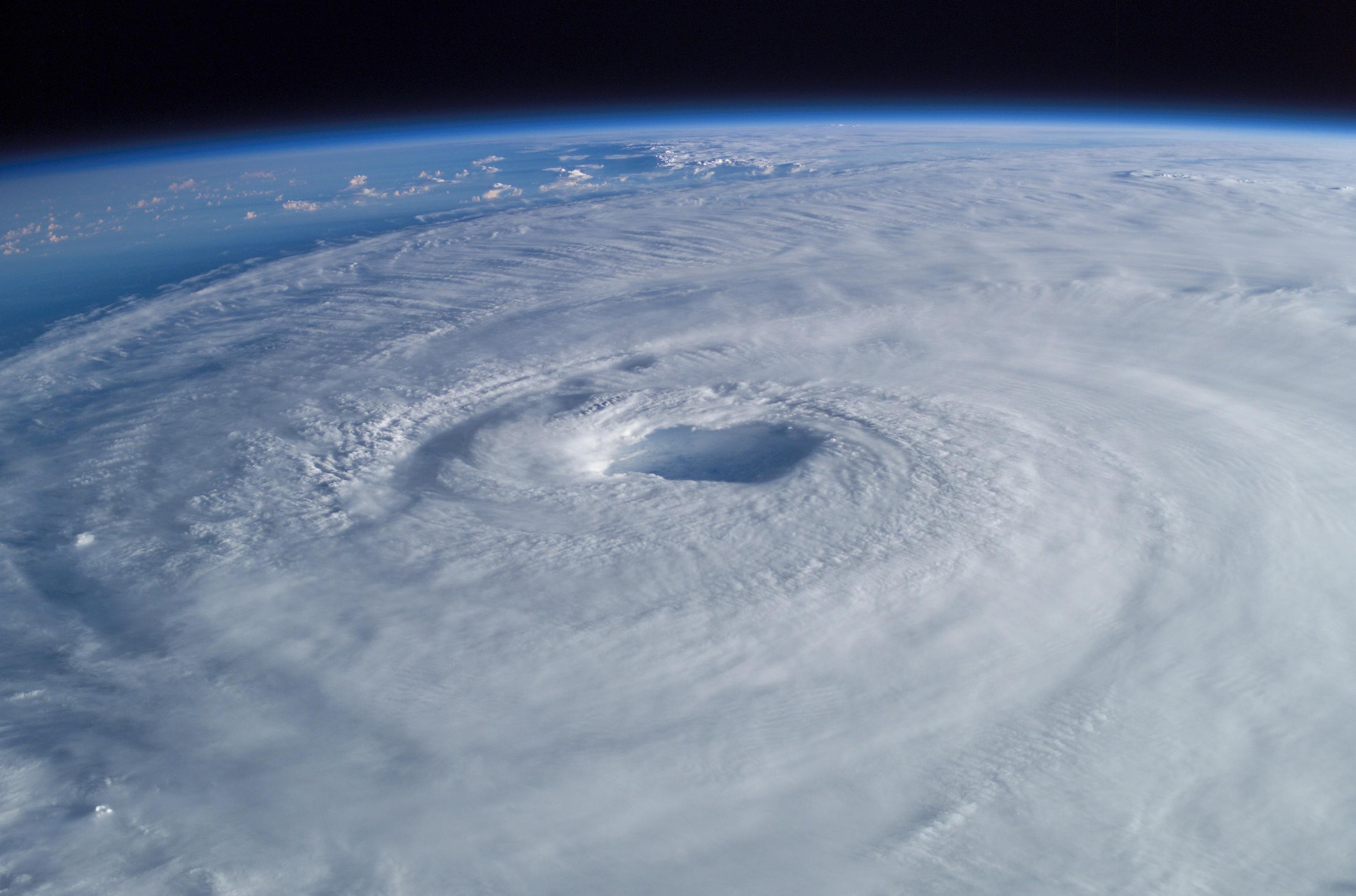 El Huracán Irma visto desde la ISS Hurricane-isabel